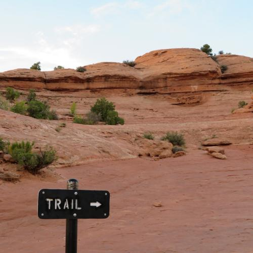 Delicate Arch Trail trail sign - mid point