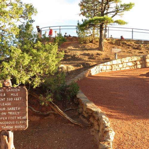 Trail to Sunrise Point
